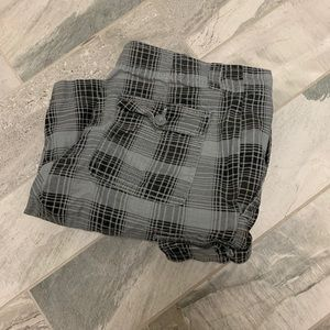 Men's plaid cargo shorts